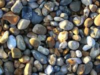 Steine am Strand von Hythe